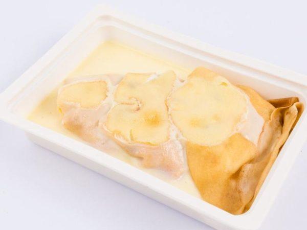 Clatite umplute cu crema de branza dulce smantana si stafide topping de vanilie