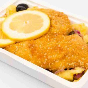 Cod file in pane de susan salata orientala de cartofi