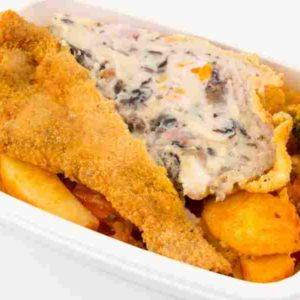 Cotlet de porc umplut cu cascaval bacon si ciuperci cartofi taranesti la tava cu legume M
