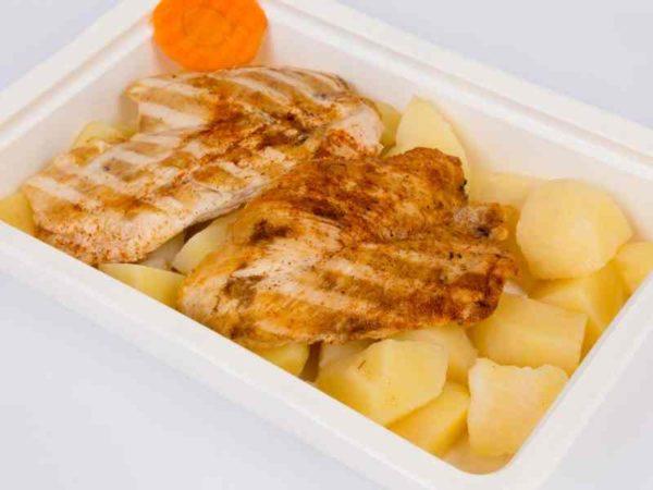 Piept de pui grill cartofi natur