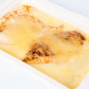 Piept de pui grill cascaval ras cartofi piure