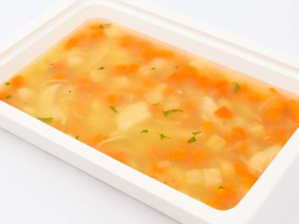 Supa de pui cu fidea de casa