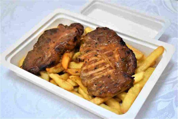 Ceafa porc marinata cartofi prajiti sos