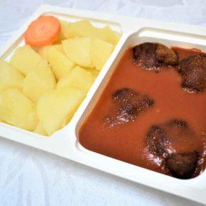 Chiftelute marinate sos rosii cartofi cu patrunjel