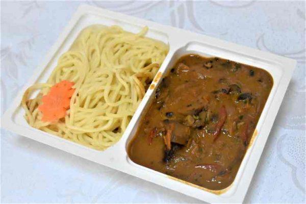 Friptura porc sos vanatoresc spaghete