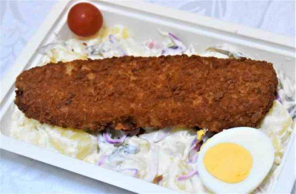 Peste cod pane salata bavareza cartofi