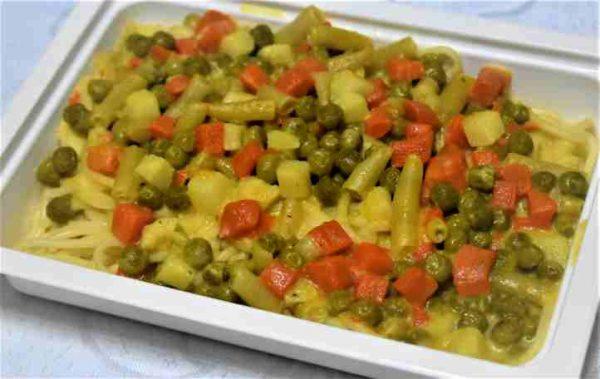 Spaghete legume sos cascaval cheddar