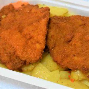 Cotlet porc pane cascaval cartofi tava