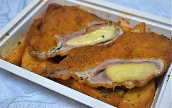 Cordon bleu porc cartofi taranesti