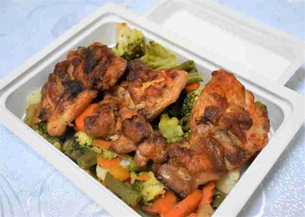 Pulpa dezosata pui grill legume primavara sos kefir